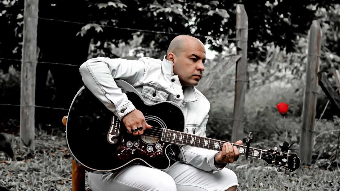 Foto do músico Eduardo Luz
